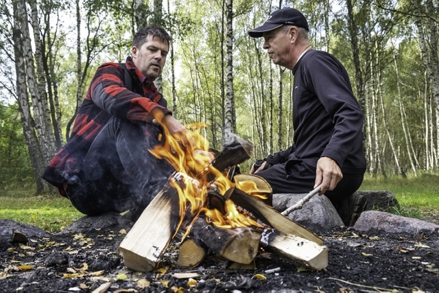 Mandegrupper er samtaler i naturen og fællesskab ved bålet
